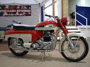 red-Norton-Dominator-88